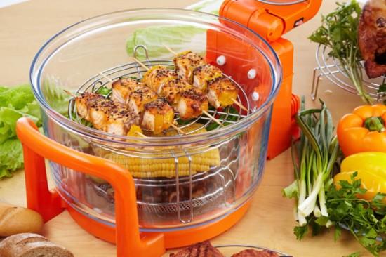 Аэрогриль очень удобен тем, что готовить в нем можно сразу несколько блюд
