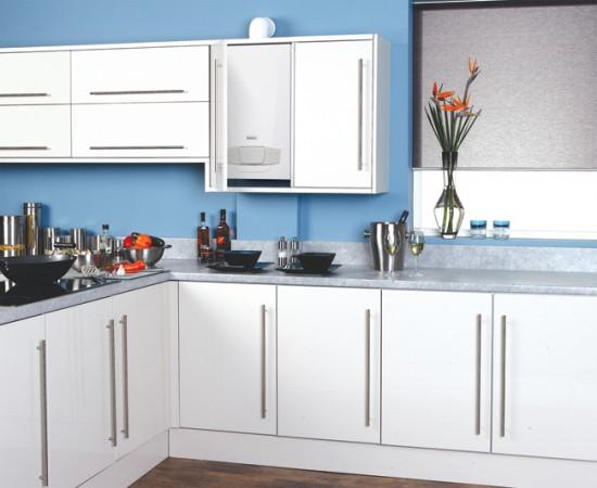 Газовый котел можно спрятать в кухонный шкафчик