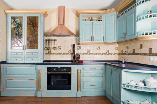 Нежные тона мебели, стен и декора - одна из главных особенностей стиля прованс
