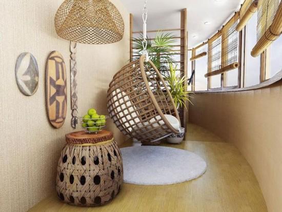 Плетеная мебель как нельзя лучше смотрится на балконе или лоджии