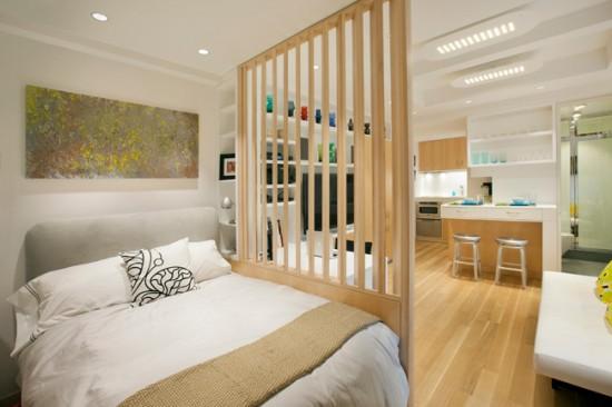 Функцию перегородок в квартирах-студиях выполняют легкие, иногда прозрачные, конструции