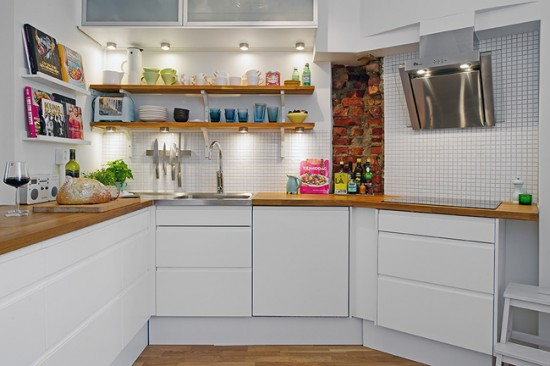 Подсветка рабочей зоны кухни с помощью софитов