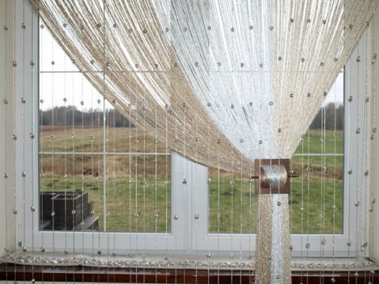 Нитяные шторы могут быть как однотонными, так и многоцветными