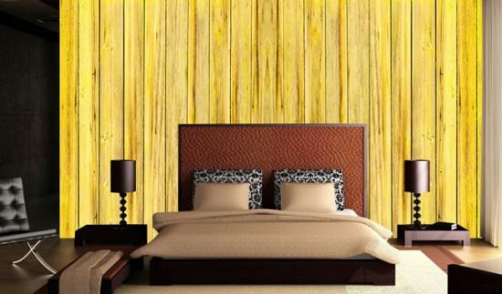 Желтые обои на акцентной стене спальни