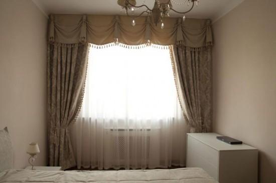 Классические шторы - акцент интерьера в спальне