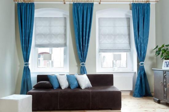Если от солнечного света защищают рулонные шторы, то тюль может играть роль декора