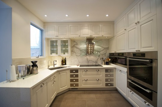 Кухонный гарнитур П-образной формы