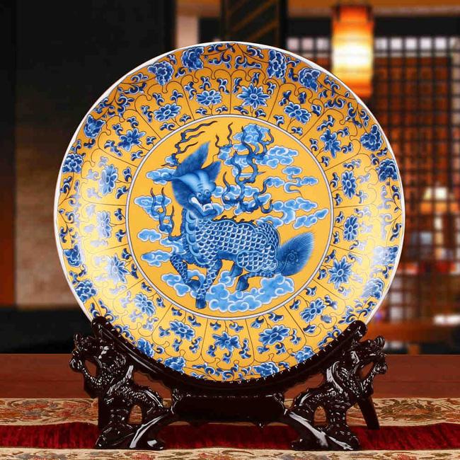Традиционная китайская декоративная тарелка