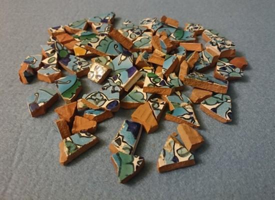Битая плитка для создания мозаики