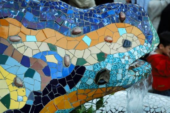 Ящерица Гауди в парке Гуэль, Барселона