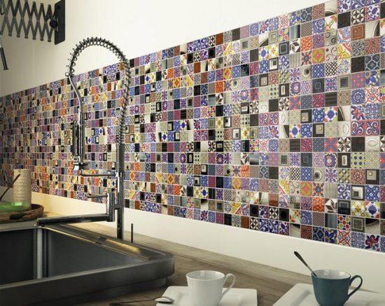 Фартук из мозаики может вписаться в любой стиль интерьера