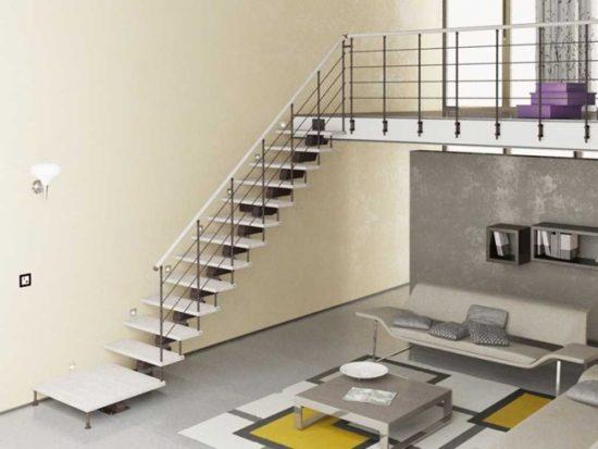 Металлическая лестница отлично смотрится в современных интерьерах