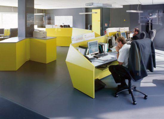 Оттенки для интерьера офиса лучше подбирать, учитывая психологическое влияние цвета на человека