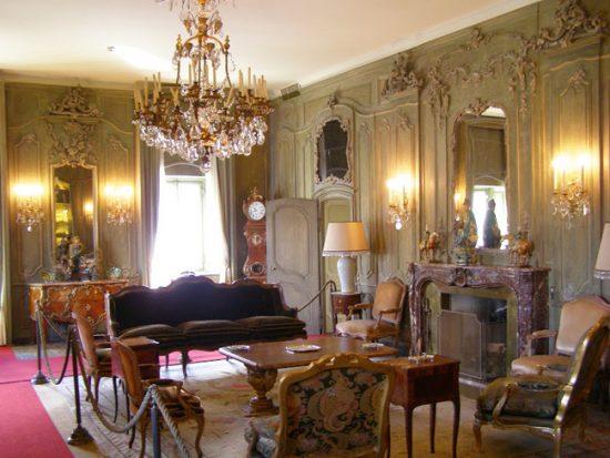 Викторианский стиль насыщен декоративными деталями