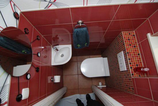 Плитка - наиболее распространенный тип отделки туалета