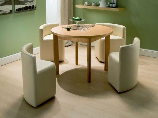 Компактная мебель позволит уместить все необходимое в маленькой квартире