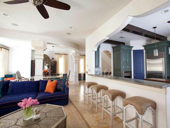 Мебели в марокканском интерьере должно быть много