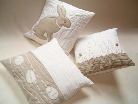Пошить подушку можно практически из любого материала