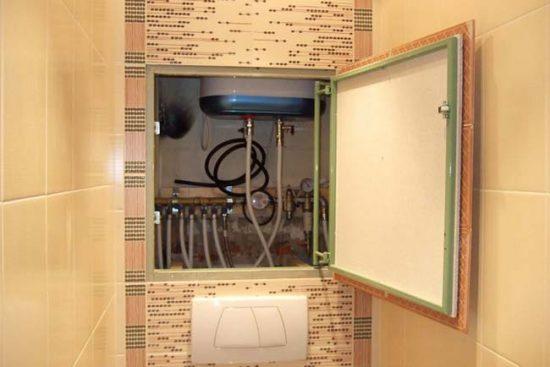 Сантехнический люк с распашной дверцей