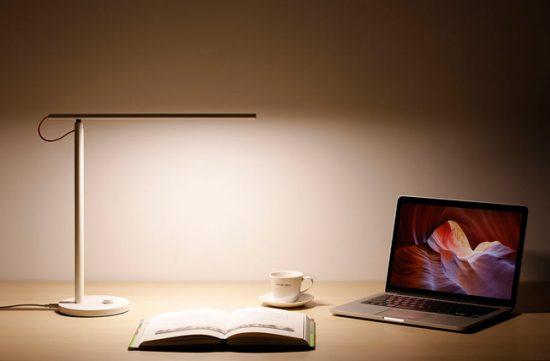 Настольная лампа должна быть комфортной для зрения