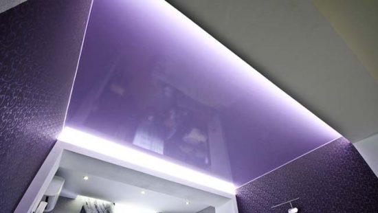 Парящий потолок с подсветкой по периметру