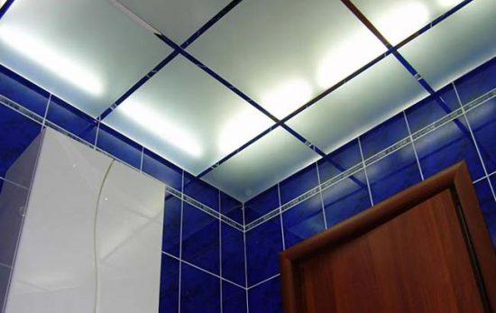 Стеклянные потолки подходят для любых комнат