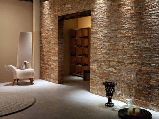 Декоративный камень может имитировать натуральную поверхность