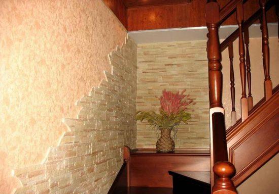 Оформление лестницы декоративным камнем