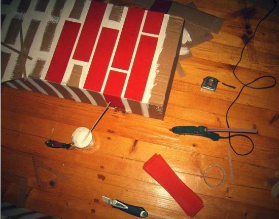 Процесс изготовления декоративного камина из картона