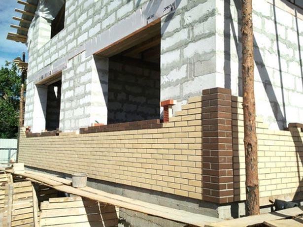oblicovka-fasada-doma-kakoj-material-luchshe-22
