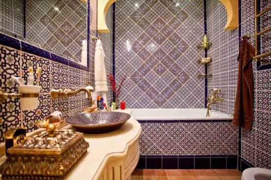 Мозаика в марокканской ванной