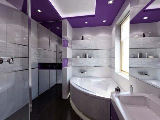 Потолок в ванной должен быть прежде всего устойчивым к влаге