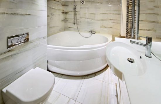 Угловые ванны удобны и красивы