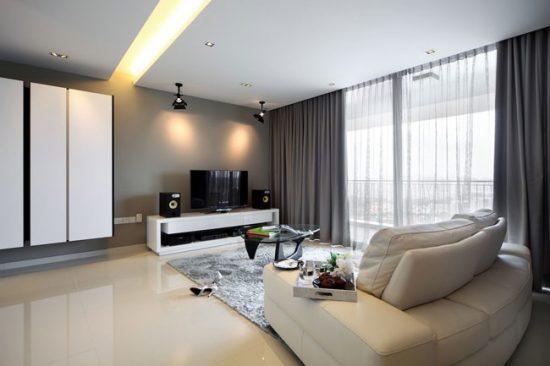Несколько источников освещения в гостиной