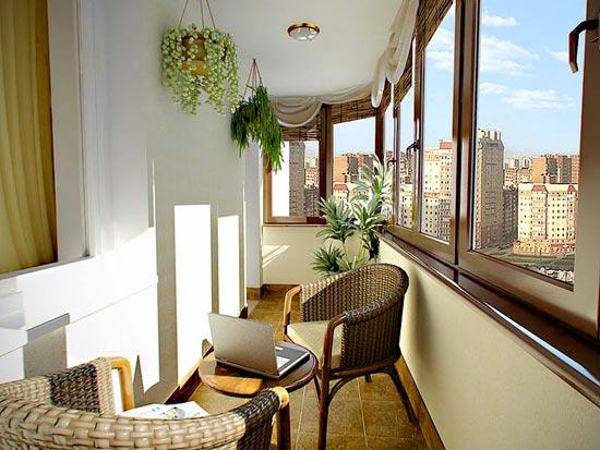 Отделка балкона материалами