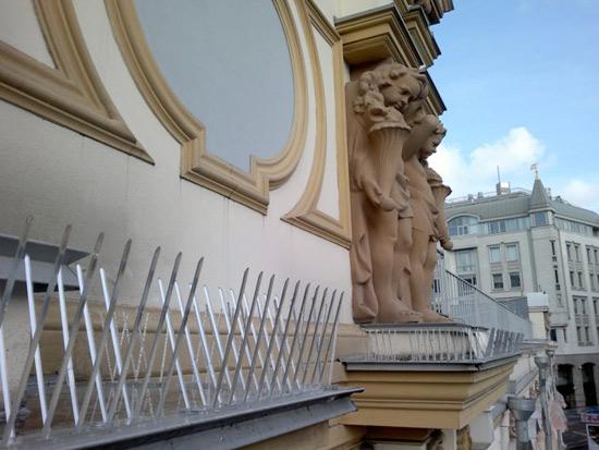 Шипы на балкон