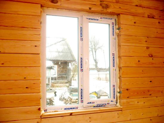 Окно в деревянный дом