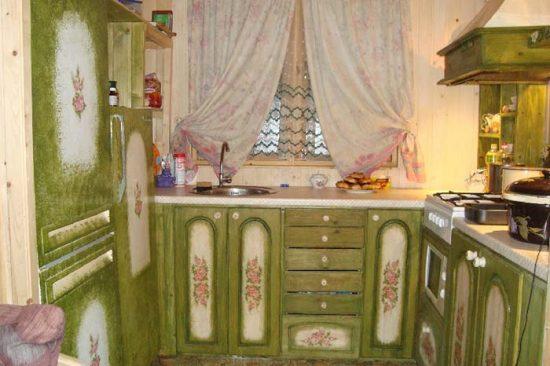 dekupazh-kuxonnogo-garnitura-1-550x366 Декупаж кухни: как сделать за 5 шагов