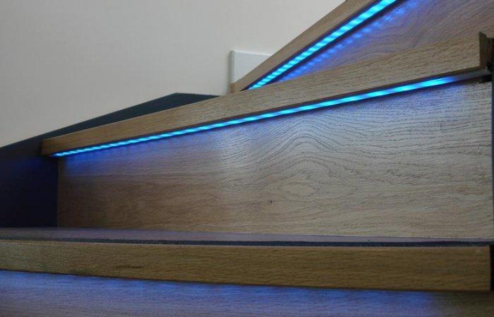 Большинство людей сегодня выбор делают в пользу светодиодных лент