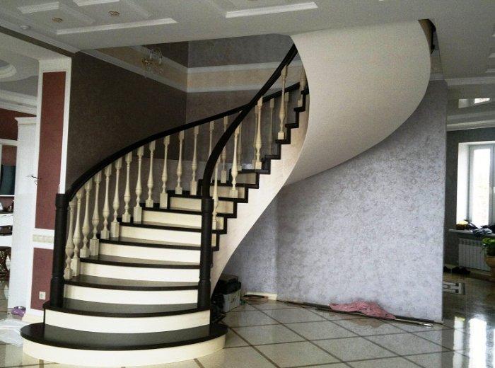 Комбинированная винтовая лестница