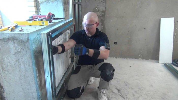 Работая с гипсокартонном и металлическими профилями необходимо позаботиться об индивидуальной защите