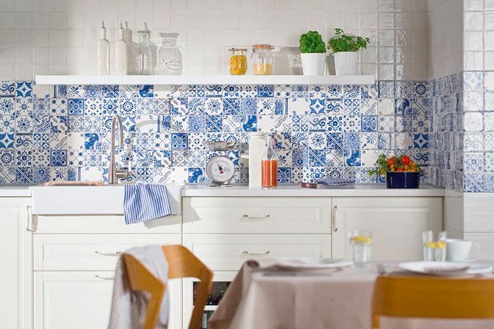 фартук на кухне с орнаментом