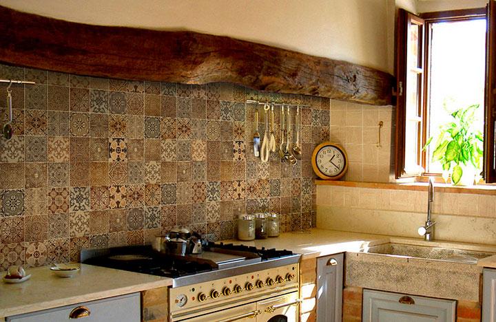 фартук для кухни в деревенском стиле