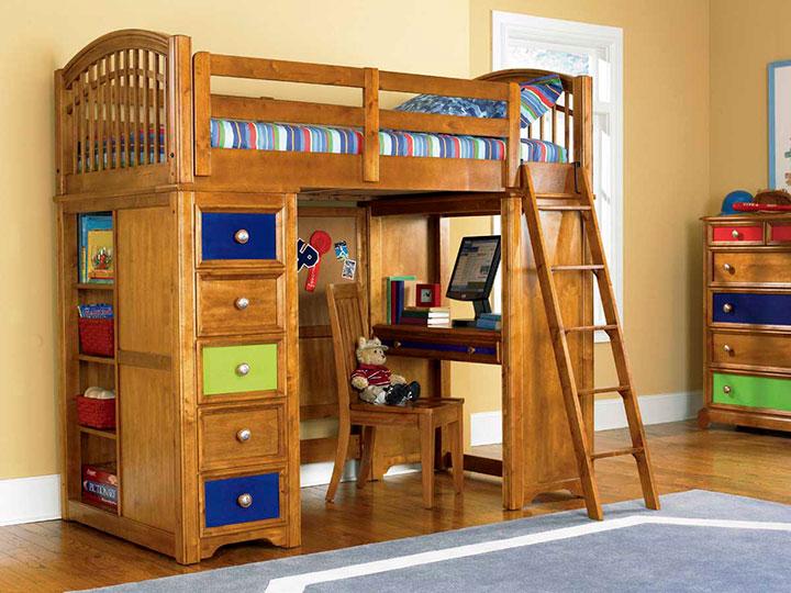кровать для маленького ребенка