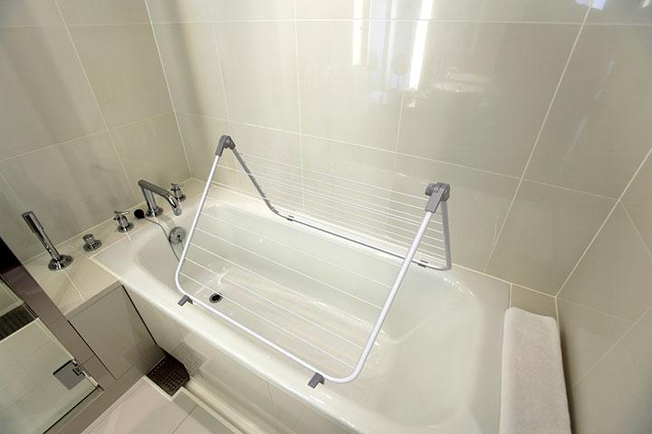 сушилка на ванну