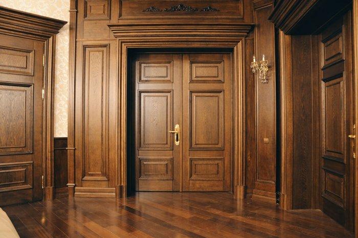 Объемная филенчатая дверь