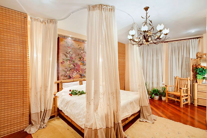 стильная кровать с балдахином