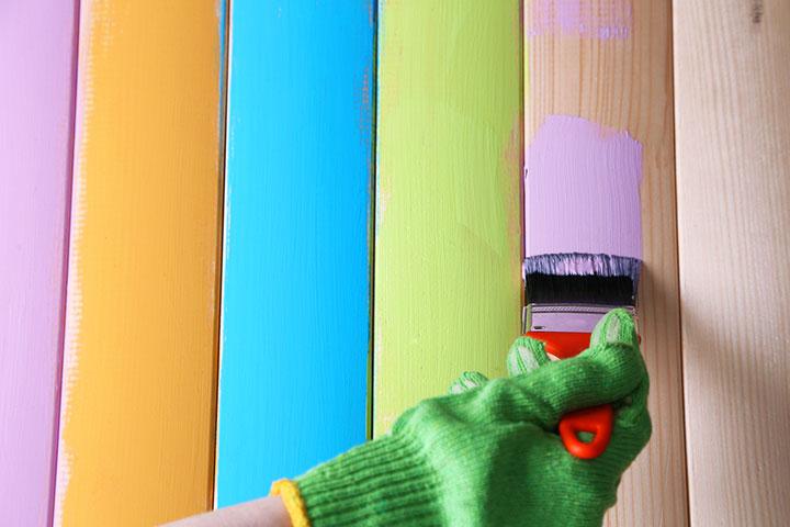 как выбрать краску для внутренних работ