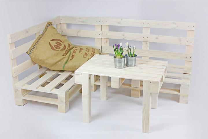 столик из деревянных паллет