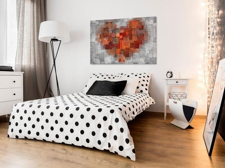 абстрактная картина в спальне
